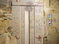 Nepravé dveře Nefera a Neferhathor (foto Martin Frouz)