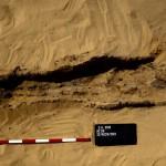 Obr. 8. Jeden ze sekundárních hrobů odkrytý na východ od mastaby AC29 (J. Krejčí)
