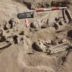 Obr. 1: Kosterní pozůstatky z 8.–6. tis. př. Kr., pohoří Sabaloka, Súdán, výzkum ČEgÚ FF UK (foto Ladislav Varadzin).