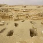 Celkový pohled na sekundární pohřebiště rozkládající na sever od východní hrobky komplexu L25.