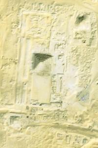 Nejstarší pyramida na světě, komplex Džoserovy stupňovité pyramidy na satelitním snímku