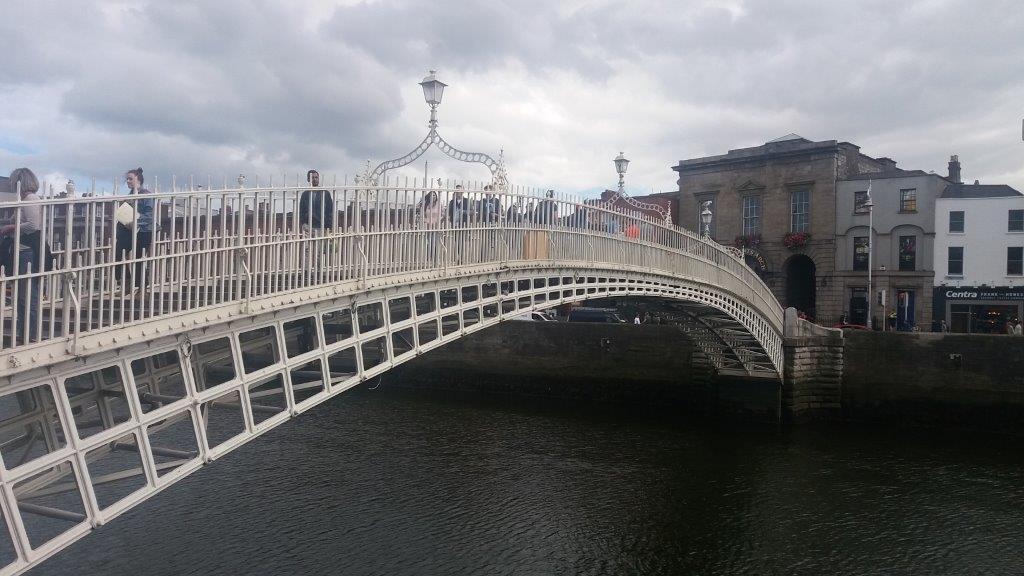 27 – Halfpenny bridge Dublin
